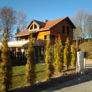 Réalisation construire bois Bardage red Cedar  - Besancon - Maison d'Habitation