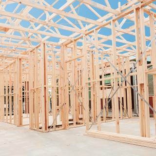 Réalisation construire bois Ajout étage bâtiment commercial - Charente
